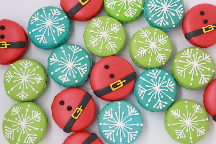 Christmas theme macarons
