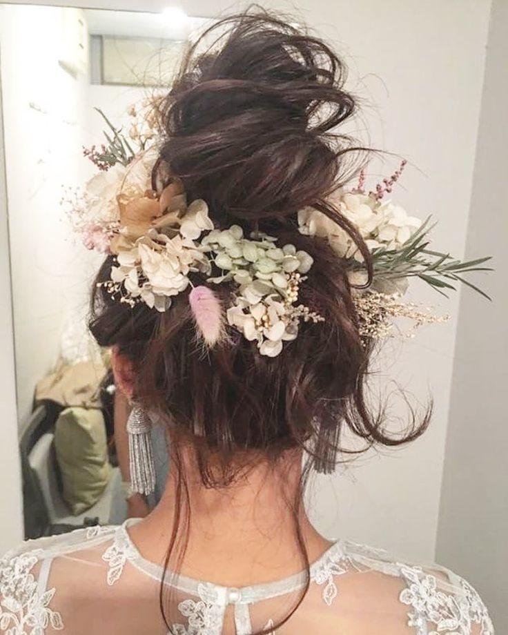 WEDDINGHAIR ウェディングヘア ゆるふわアップヘアアレンジ❤ドライフラワー🌼 #wedding #hairstyles #uphair #bridalhair #ドライフラワー #プリザーブドフラワー #花 #ヘアスタイル #ヘアメイク #ヘアアレンジ #hairarrange #bride #favorite #谷本将太さん(@tanimotoshouta)のInstagramアカウント: 「この前の花嫁様アレンジ♫ 遠方からありがとうございました😊 ☆ #アレンジ #ヘアアレンジ #大阪美容室 #結婚式ヘア #ヘアースタイル  #大阪ヘアアレンジ #ヘアメイク #naluhair…」