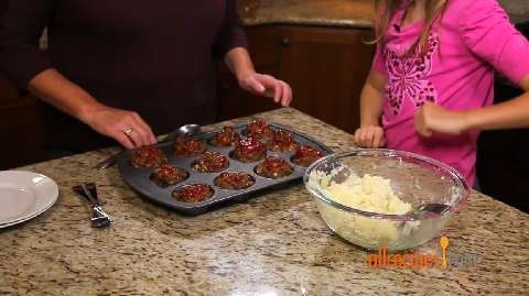 Kid-Friendly Cooking | Meatloaf Muffins and Creamy Mashed Potatoes