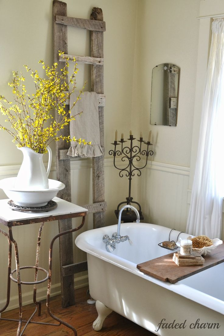 Pretty Vintage Style Bath Love The Claw Foot Tub Rustic Ladder