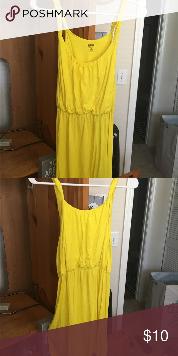 Ana Yellow Dress size says petite small but I'm usually a s/med and it fit- worn once! Dresses
