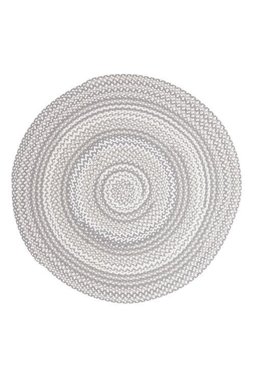Rund matta, flätad och handsydd. Diameter 160 cm.<br><br>För ökad säkerhet och komfort, använd halkskyddsmatta som håller din matta på plats. Halkskyddsmattan finns i flera olika storlekar. <br><br>100% bomull<br>Rengörs genom dammsugning/skumtvätt