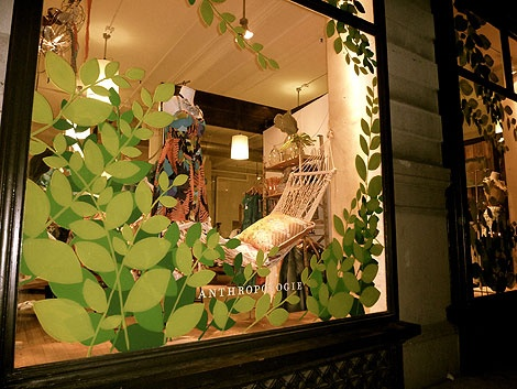 20at30.com: Store Window Displays As Inspiration