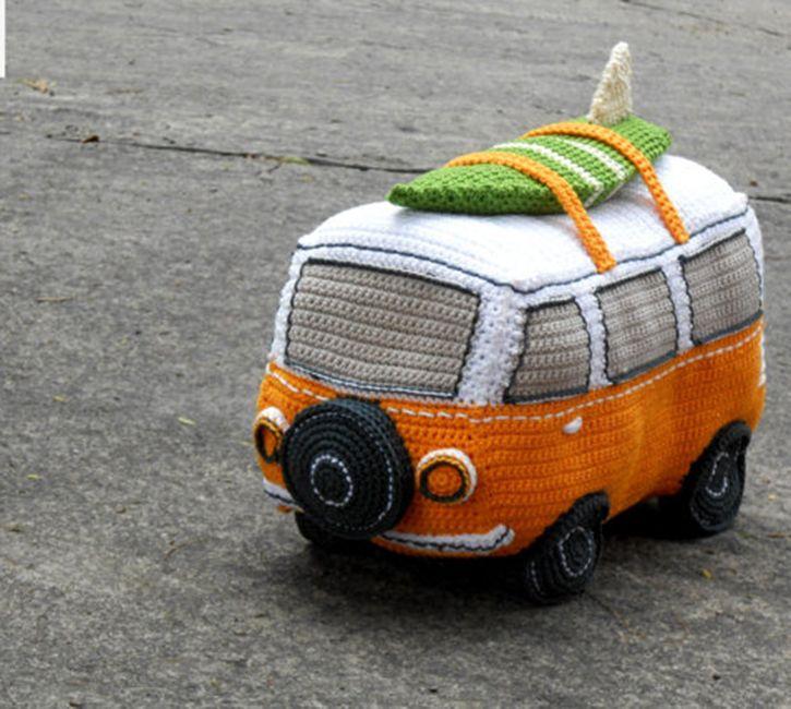 Volkswagen Combi Van, crochet, amigurumi, toys.  Straight to free pattern: https://epsiej.files.wordpress.com/2014/09/volkswagen-van-crochet-pattern.pdf