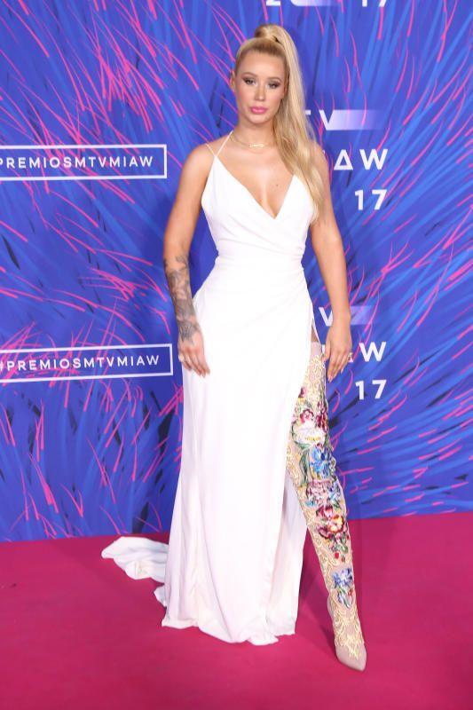 Iggy Azalea white dress  - Week in celebrity photos June 5-9