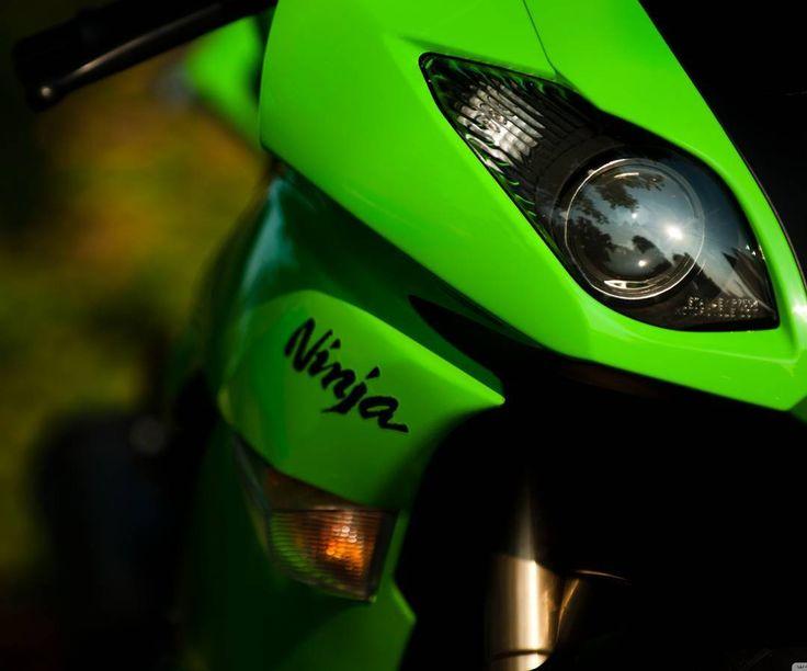 Peek-a-boo  #kawasaki #ninja #zx6r #greenmonster #bikes #motorbike #motorcycle #superbike #supersport #sportbike #fastbikes #speedbikes #twowheels #twowheelspassionate