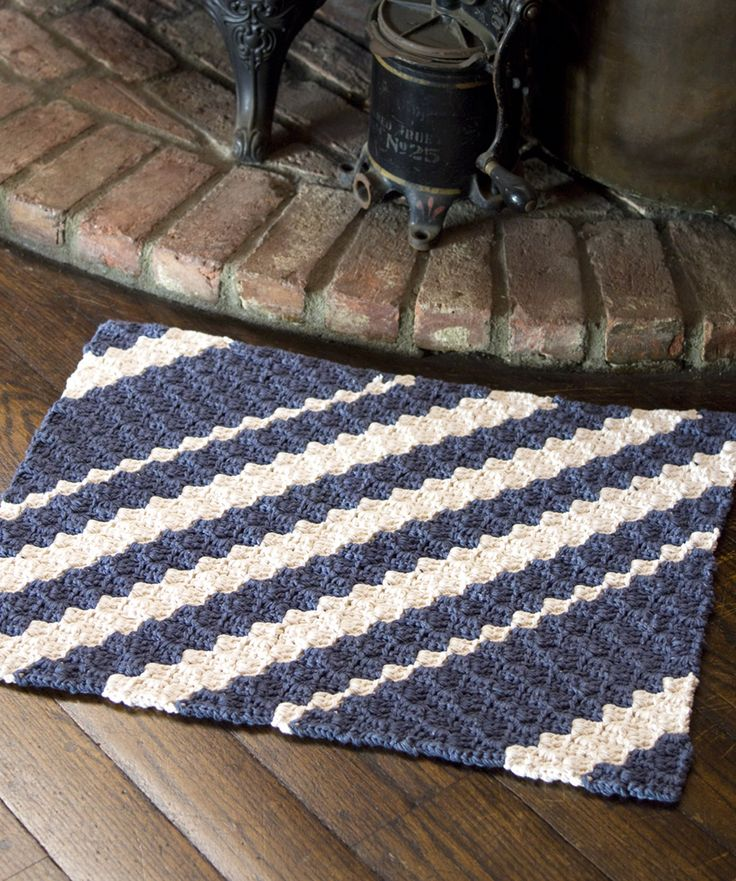 Diagonal Rug: Free crochet pattern(made in a way like crochet entrelac
