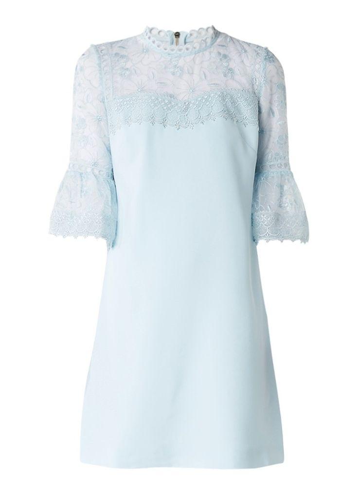 Op zoek naar Ted Baker Raechal jurk met gebloemd kant en trompetmouw ? Ma t/m za voor 22.00 uur besteld, morgen in huis door PostNL.Gratis retourneren.