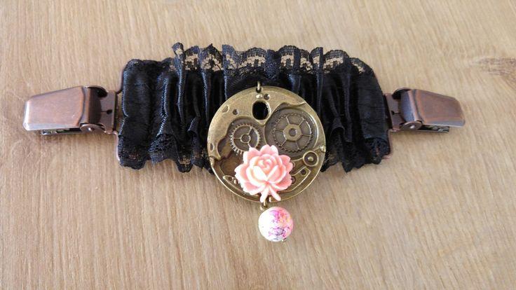 Pince a vetement en satin noir et mecanisme bronze avec fleur : Autres accessoires par akasha-40