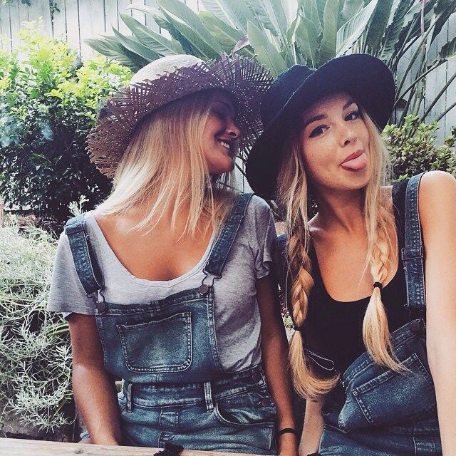 How to Chic: LIKE TWINS - HAT AND OVERALLS