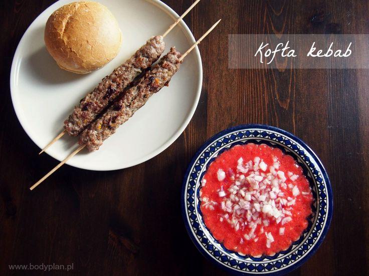 Kofta kebab - bliskowschodnie kebaby z mielonej wołowiny z pomidorową salsą