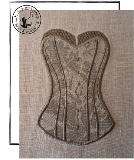Motif broderie gratuit à télécharger - corset appliqué 3