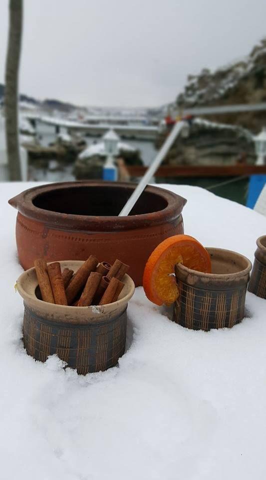 Marin Balık'da sıcak şarap keyfi.