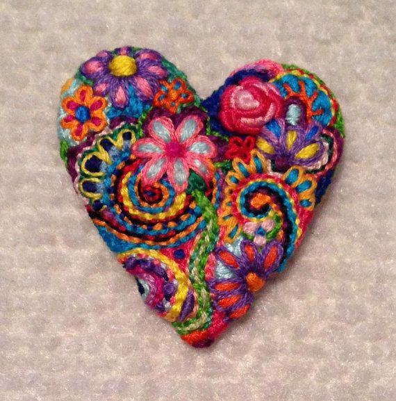 Broche de corazón bordado libre Broche #148 Aprox. 2 de ancho Un montón de…