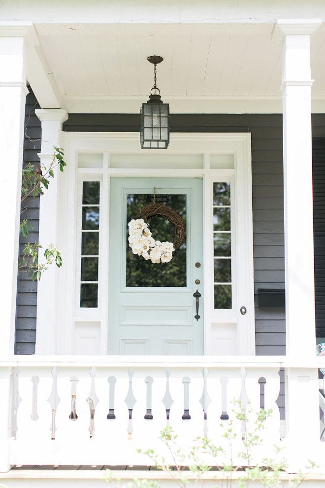 front door Benjamin Moore Catalina Blue in high gloss