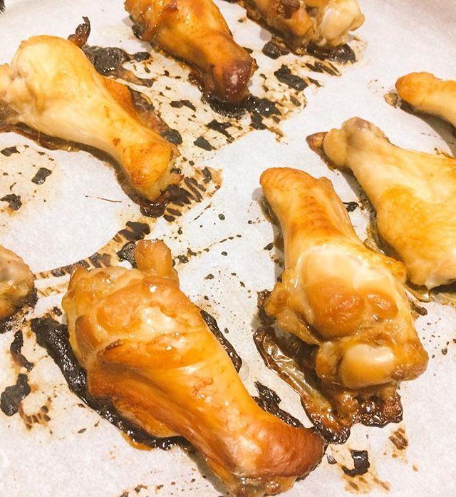 明日のお弁当の肉が焼けたので、今日は風呂って寝る #nugohan #肉 #手羽元