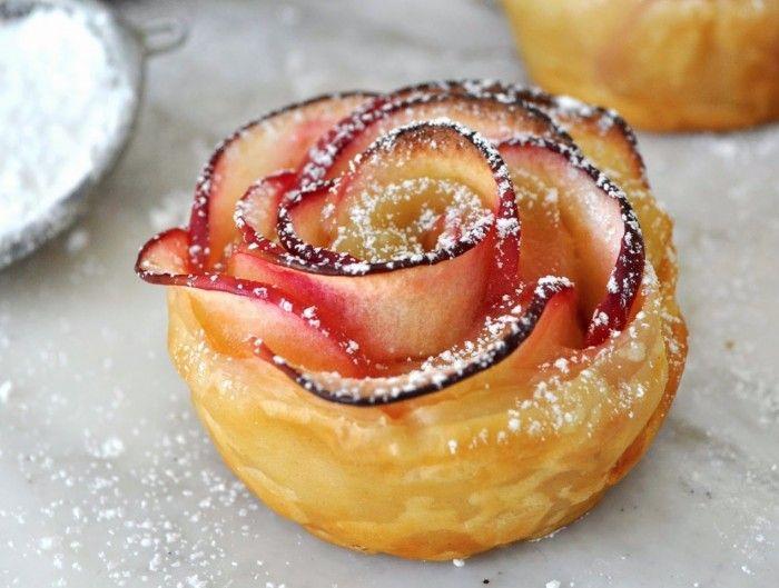 Ta vara på säsongens skörd av äpplen genom att baka vackra äppelrosor.Det bästa av allt? De är superenkla att göra (fast de garanterat kommer att upplevas avancerade av middagsgästerna)...