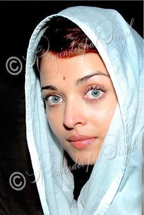 Aishwarya Rai Bachchan. Most beautiful woman in the world!