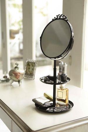 Spiegeltje Spiegeltje op het dressoir..... ;-)