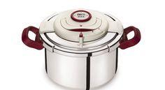 Egalement appelée autocuiseur, la cocotte minute permet de cuire soupes, légumes, viandes, volailles et même confitures… En un rien de temps...