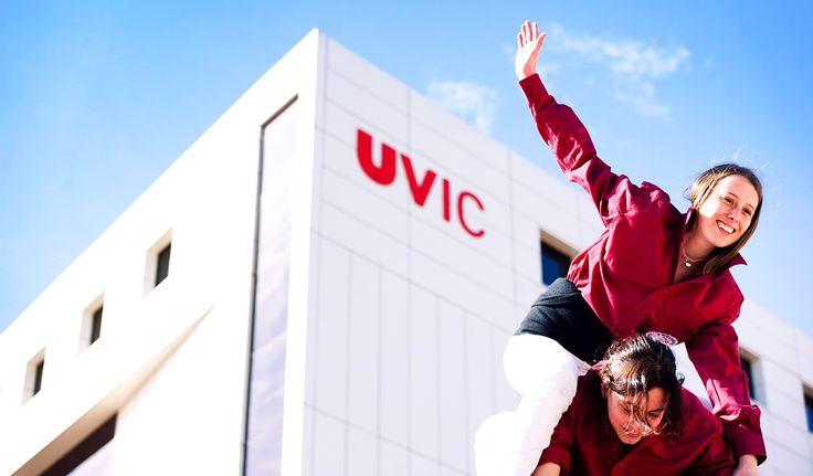 Treball en equip per arribar més amunt! Els castellers de la UVic: Emboirats. #uvic #uviclife #emboirats #castellers #ensagradaelquefem