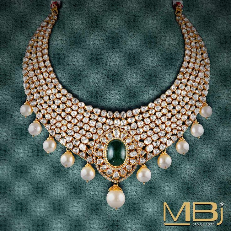 Polki choker with south sea pearls and emerald. #polki #luxury #traditional #jewellery #emerald #pearl #choker
