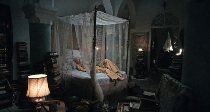 Only Lovers Left Alive | FilmGrab - Eve's bedroom in Tangier