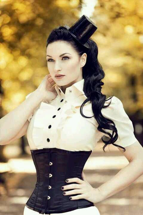 Awesome black and white fashion and fascinator