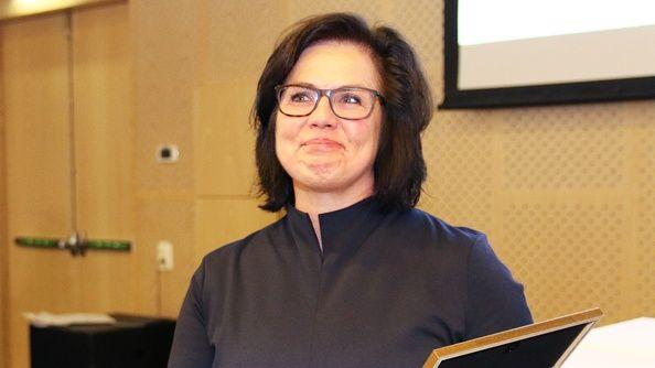 För åttonde året i rad delar Reumatikerförbundet ut Vårdforskningsstipendiet. En enhällig jury beslutade att utse Sofia Hagel, sjukgymnast och forskare vid Lunds universitet, till årets vårdforskningsstipendiat.