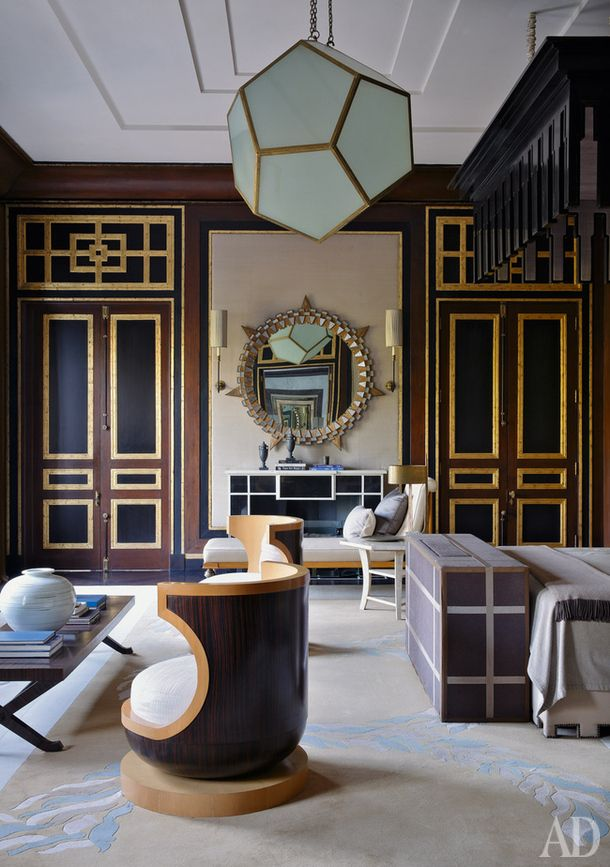 black & gold accent walls with complimenting black & gold furniture = regal, chic and contemporary all at once.  #ghostbed www.ghostbed.com