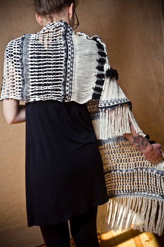 Black Arete - Handwoven black and white shawl