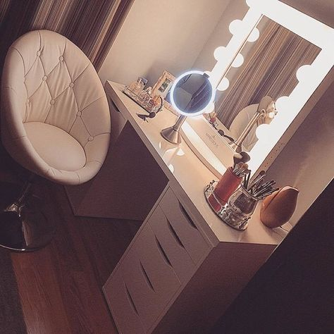 This classic vanity station combination of #impressionsvanity and #ikea from @caraunrue is simply perfect. #repost Featured: #ImpressionsVanityChicXL with Frosted LED Bulbs