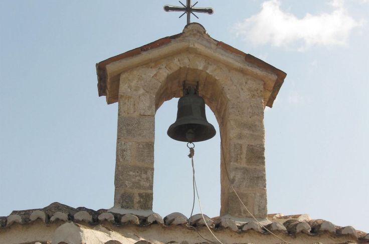 Greece, Pefkochori, Bell on the church - Grcka, Pefkohori, zvono na crkvi