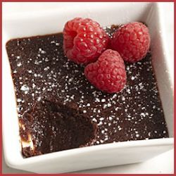 Molten Chocolate Cakes with Raspberries Recipe by FineCooking.com #valentinesday #recipe #dyefree