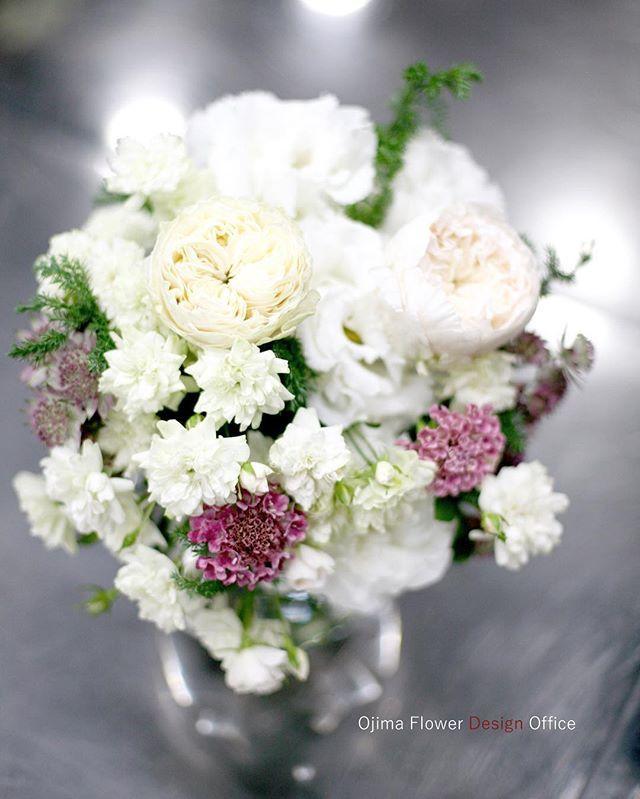 先日の妻の誕生日用に製作、花を贈るはいつ以来だろうか?  #フラワーデザイン#フラワーアレンジメント#フラワーアート#フラワーギフト#花束#誕生日#ブーケ#ojimaflower #つくば市松野木#つくば #アンティーク#オーダーメイド#flowerdesign #flowerarrangement #flowerart #flowershop #flowergift #bouquet #ojimaflower #tsukuba #greenice
