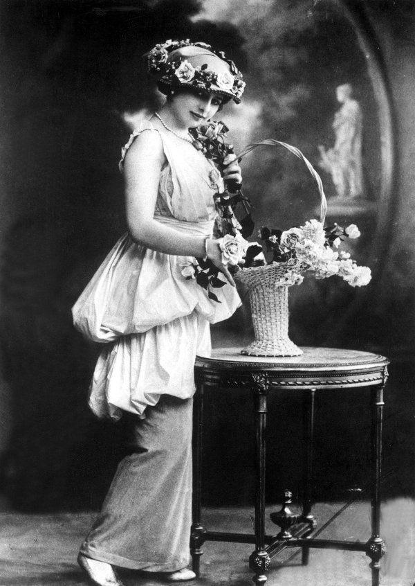 lunawoman:  Mata Hari source ebay