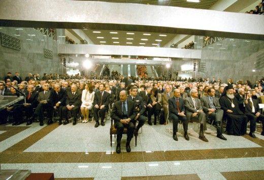 Από τον πρόεδρο της Δημοκρατίας Κ.Στεφανόπουλο και τον Πρωθυπουργό Κ.Σημίτη έγιναν τα εγκαίνια του Αττικού Μετρό. Φωτο: ΑΠΕ/ΜΠΕ