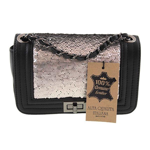 """Piccola borsa a mano in paillette, elegante ed in vera pelle. Serie disponibile in due modelli, la """"Small Elegant"""", che avete il piacere di vedere qui e la """"Big Elegant"""". Le dimensioni ridotte rendono questa borsa ideale per ogni occasione, dalla cena romantica alla discoteca. Questo gioiello è una vera e propria sintesi di eleganza. Le paillette rivestono la borsa quasi interamente donando a questa un design unico. I colori sono 3: bianco, rosa e nero. #bag #bags #mybestdesign"""