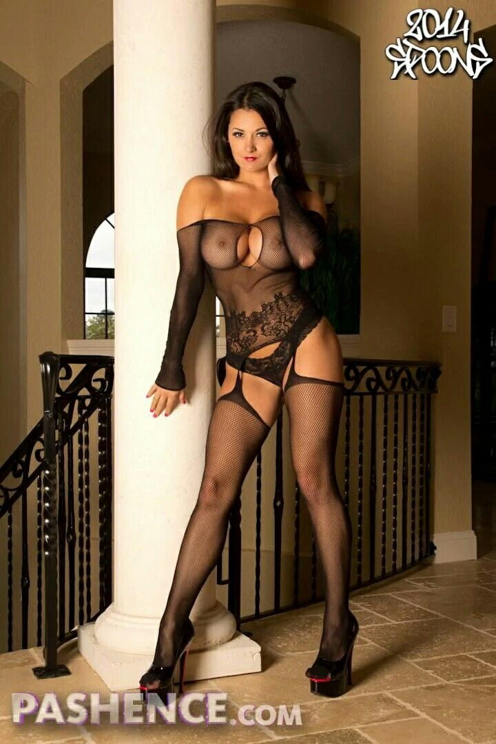 Beautiful sexy webcam hottie pussy play lovelyladycams dot com 9