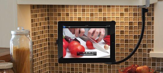 Adjustable arm for iPad