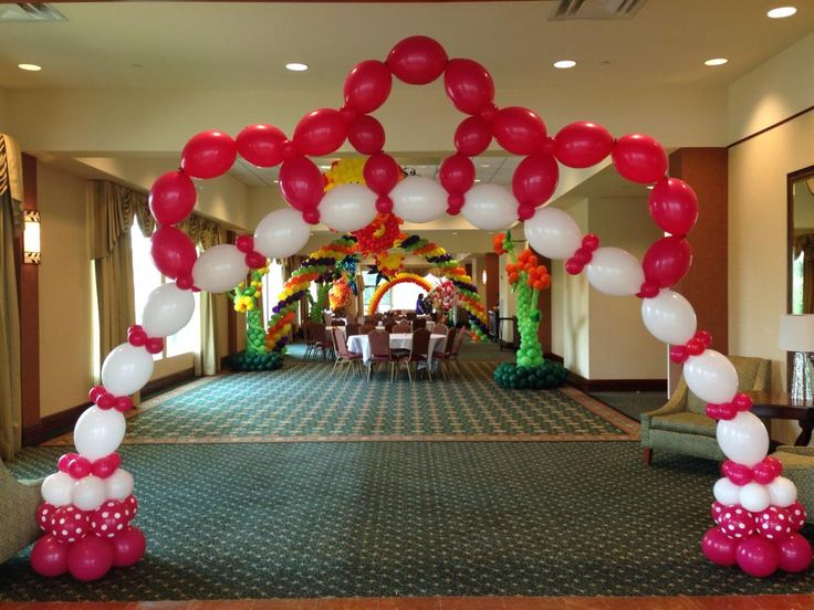 228 best images about balloon ideas on pinterest balloon for Balloon decoration for stage
