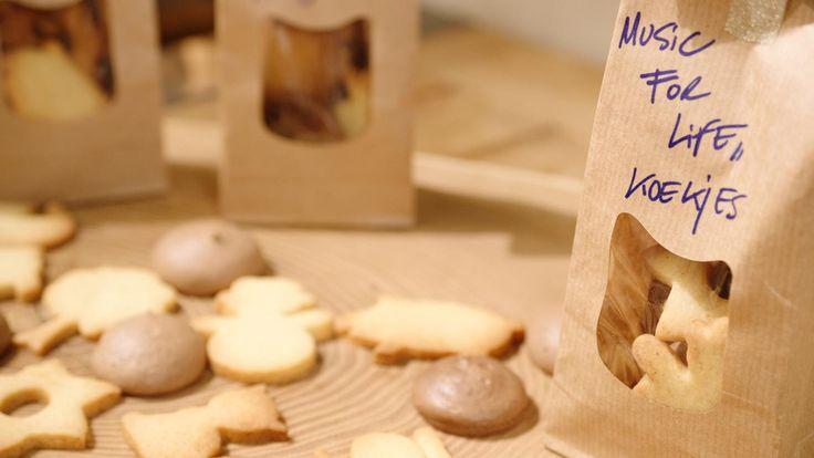 Simpele zandkoekjes en chocolademeringues voor Music For Life