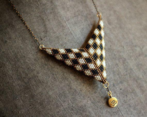 Schachbrett Halskette schwarz-weiß Halskette von HeriniaJewelry
