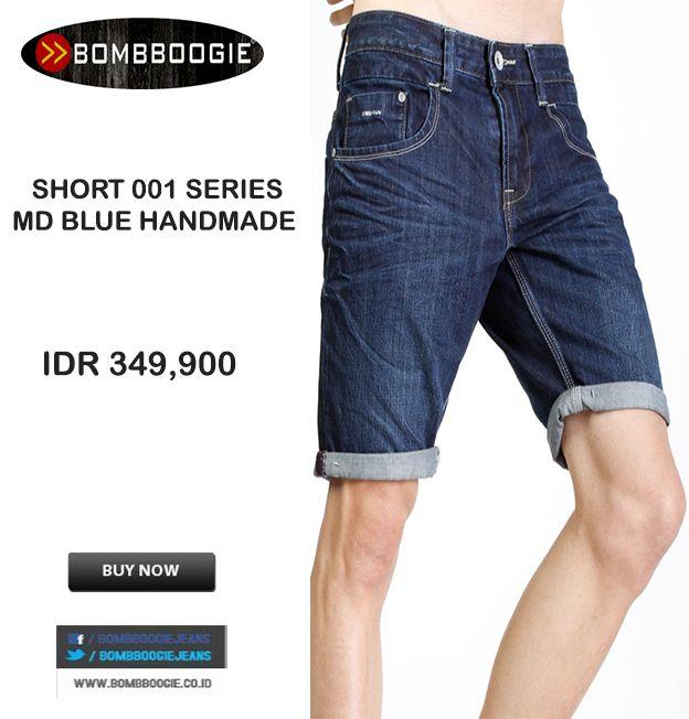 Lagi santai pake celana pendek denim + kaos Bombboogie keren bro IDR 349,900 >> http://ow.ly/vuDaW
