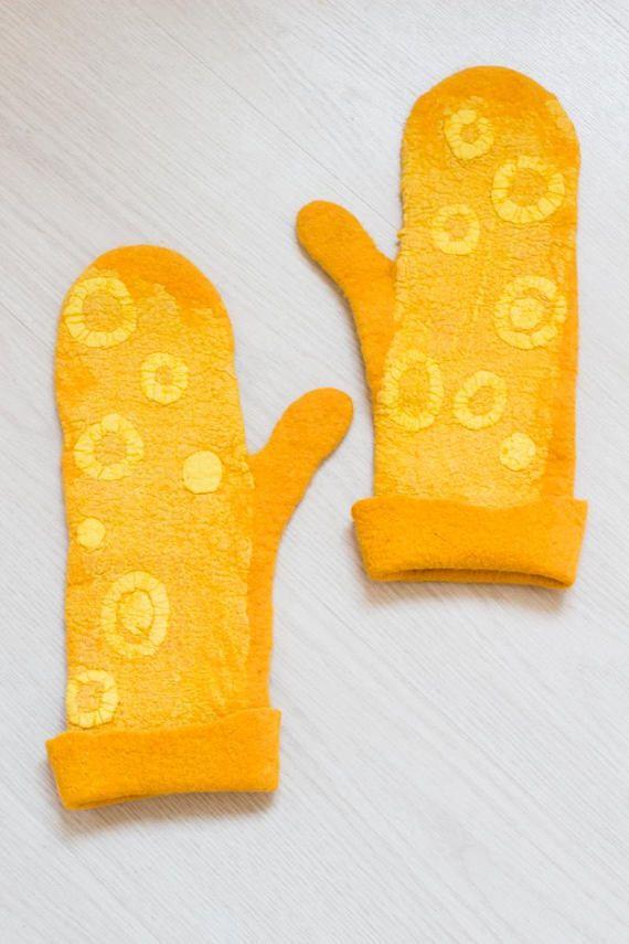 Felted Mittens Natural wool Yellow mittens Merino Wool gloves #feltUA   #nunofelt #Vinokurova