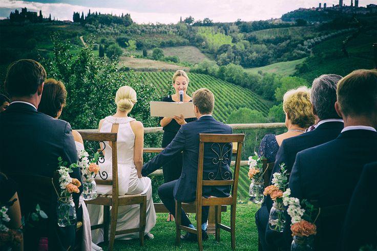 Symbolic ceremony at La Lucciolaia, tuscany, San Gimignano. Photo: Duccio Argentini #weddingday #weddinginflorence #symbolicceremony #bridegroom #weddingdress #weddingintuscany #weddingphotographer #tuscanphotographer #florencephotographer