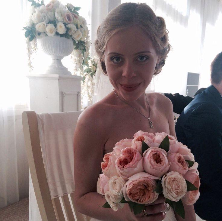 Букет невесты из пионовидной розы Дэвида Остина. Флорист Алена Браташ
