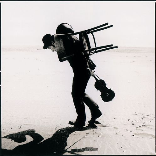 Who is that guy? Oh, Wait....     Tom Waits