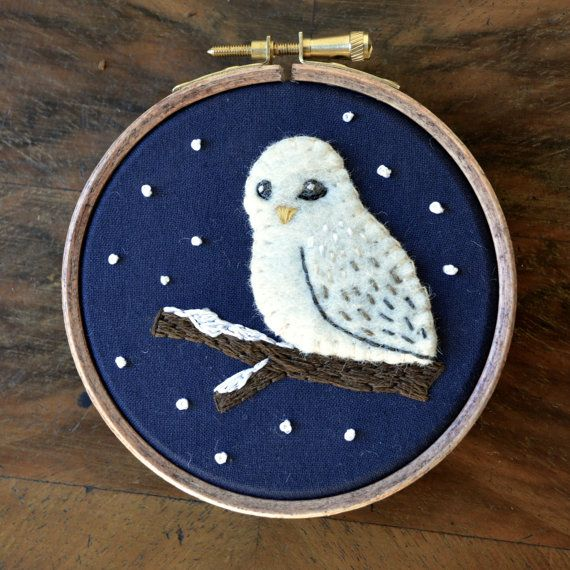 Snowy Owl - Embroidered Hoop Art / Felt Applique / Textile Wall Hanging
