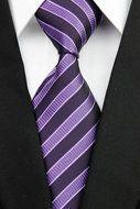 Stropdas Croydon - Paars Gestreept  Description: Stropdas Croydon Stropdassen worden steeds vaker gedragen. Het is daarom goed dat je je huidige assortiment eens gaat bekijken en uit gaat breiden. Deze paarse gestreepte stropdas met verschillende tinten paars is voor vele outfits geschikt. Of dat je nu een wit overhemd gaat dragen of je kiest voor een andere kleur paars kan de juiste kleur zijn om te stralen. Daarnaast is deze kleur geschikt voor alle gelegenheden of je nu naar een feest…
